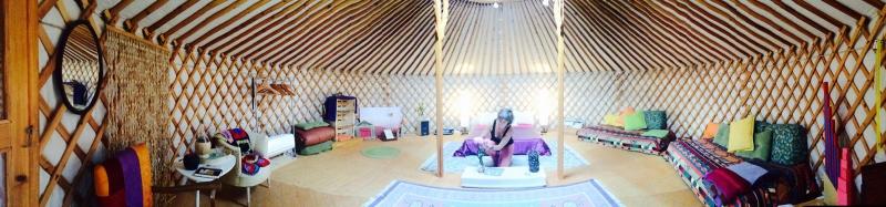 interior-de-la-yurta